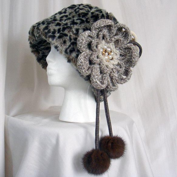 ゴージャスでキュートな100%ウールの毛糸,ビンテージ着物,リサイクルリアルミンクの 大きな花のリメイクコサージュピンです。コートやセーター以外,帽子やバッグ...|ハンドメイド、手作り、手仕事品の通販・販売・購入ならCreema。