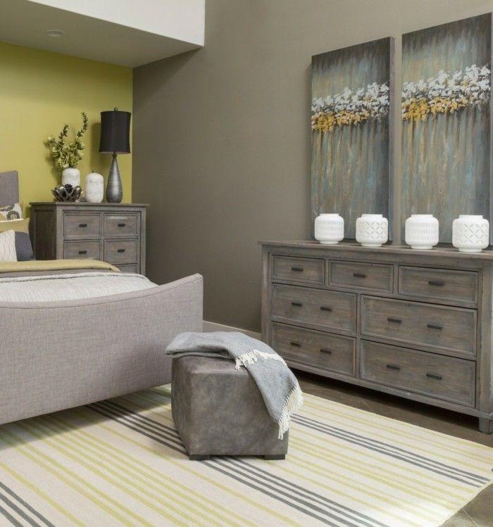 New deko ideen schlafzimmer accessoires wanddeko streifenteppich hocker