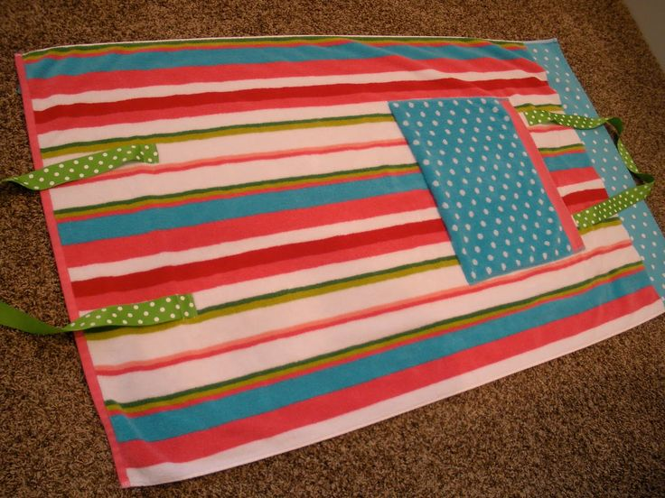 beach towel bag pattern | And here's what it will look like when you lay on it at the pool: