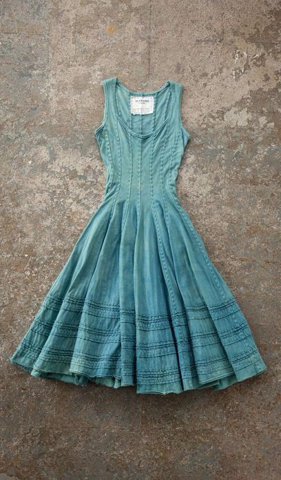 Ohhhh.....in love with this dress!!!  The soft tender aqua blue, the inverted pleating, the full tender skirt, the fitted but not too revealing bodice, this is a masterful dress!