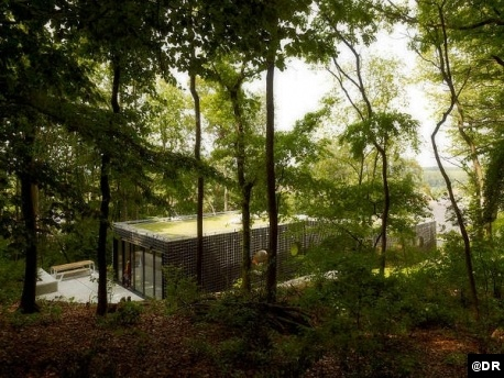 Le Courrier de l'Architecte | DmvA, du camouflage à l'oeuf