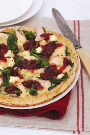 Smoked Chicken, Cranberry & Mozzarella Pizza with Winter Greens #SmokedChicken #Cranberry #MozzarellaPizza #WinterGreens