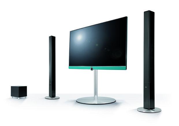#Loewe #Connect UHD flexibele all-rounder De gloednieuwe Loewe Connect UHD is een flexibele all-rounder die u en uw gezin dag na dag het ene gezellige televisiemoment na het andere bezorgt. Het toestel heeft een ingebouwde harde schijf van 1 TB waarop u programma's, films en series kunt opnemen die u via streaming zelfs kunt bekijken op een ander scherm.  Meer informatie over #Loewe of #audio en #video? http://www.wonenwonen.nl/audio-en-video/loewe-connect-uhd/9386
