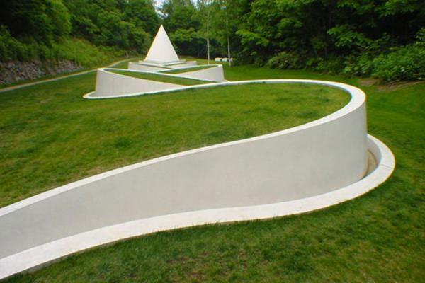 Way to the Hidden Garden (Dani Karavan) | Sapporo Art Park | Sapporo | Travel Story and Pictures from Japan