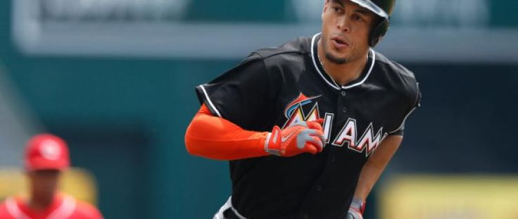 Giancarlo Stanton Contract Talks Could Take Place in Offseason