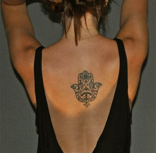 The Hamsa hand wards off the evil in life and is also believed to bless with good fortune and success.