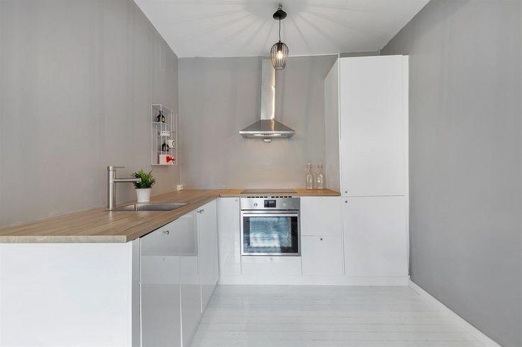 FINN – På jakt etter din første leilighet? Fresh og nyoppusset 2-roms på populære Rosenhoff | Nytt kjøkken 2017 | Modernisert bad 2017 | VV/fyring inkl. i felleskost. | Må sees!
