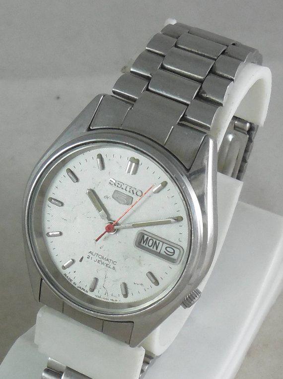 c4e722a995d Original VINTAGE SEIKO 5 Automatic 21J Japan 7526-6000 Running Watch ...