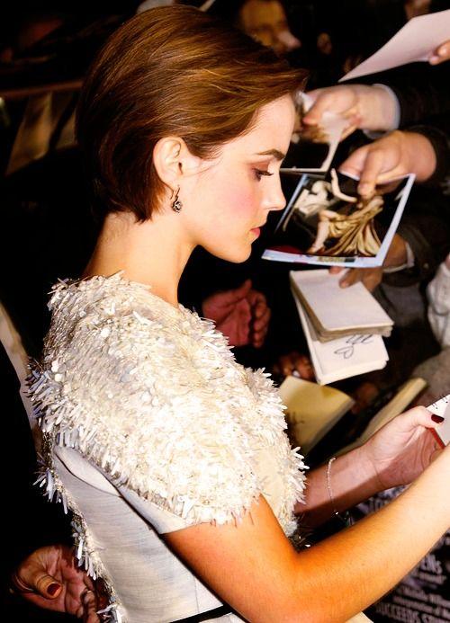 Emma WatsonPixie Haircuts, Haircuts Ideas, Spring Hairstyles, Emma Watson, Shorts Haircuts, Hair Style, Shorts Cut, Asian Men Hairstyles, Shorts Hairstyles