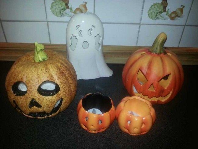 Igår tog vi oss en tur till öob, halva priset på alla halloweensaker får man ju inte missa :)