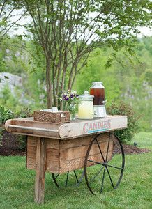 Planner: Angela Proffitt Venue: Front Porch Farms Photographer: Matt Andrews Photography