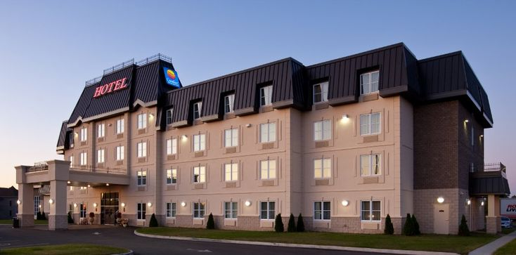 Exterior Hotel Photography of Comfort Inn & Suite [BP imaging - Bochsler Photo Imaging]