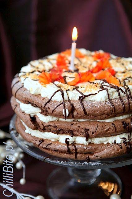 Czekoladowo-cytrynowy tort bezowy