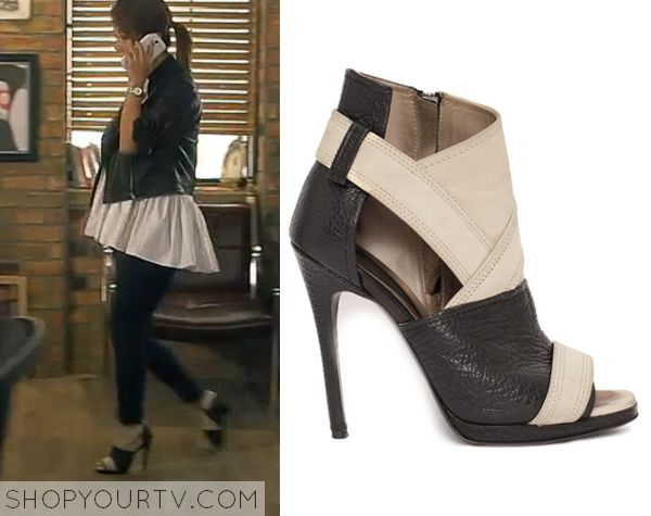 Witch's Romance: Episode 8 Ban Ji Yeon's Peep Toe Ankle Boots - ShopYourTv