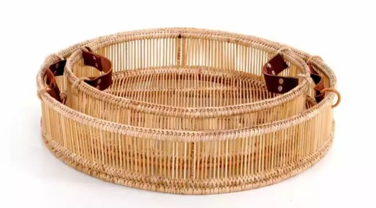 http://www.vintagevista.co.za/products/decor-accessories/accessories/round-tray-with-leather-handles-large/180/1010