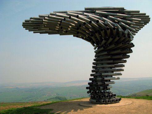 Поющее дерево из труб ,Англия