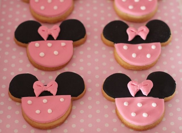 Something pink, black and precious for a baby girl Minnie Mouse Disney baby showerCake Baby Shower Minnie, Birthday Grace, Disney Baby Shower, Birthday Cookies, Baby Disney Shower, 2Nd Birthday, Birthday Party Ideas, Baby Shower Disney Theme, Disney Babies Shower