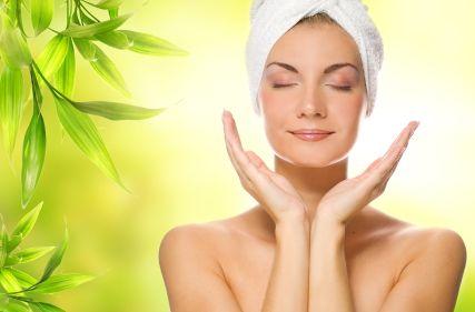 Mai più brufoli con una corretta pulizia del viso! Diamo vita alla maschera viso fai da te e prendiamoci cura della nostra pelle, a partire dal ...