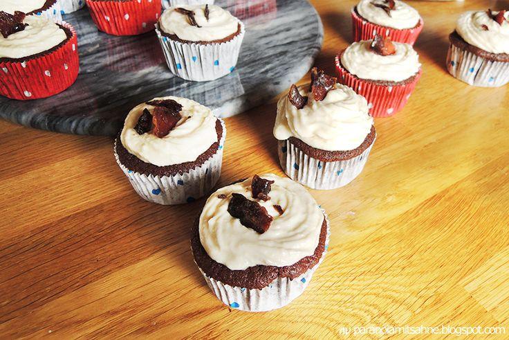 Paranoia mit Sahne: Schokolade Bier Cupcakes mit Ahornsirup Bacon Frosting Rezept
