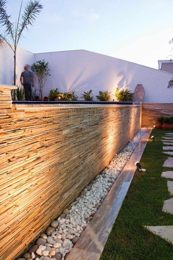 Little waterfall. JQ House by Aguirre Arquitetura