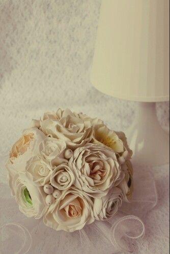 Букет невесты из цветов из фоамирана.