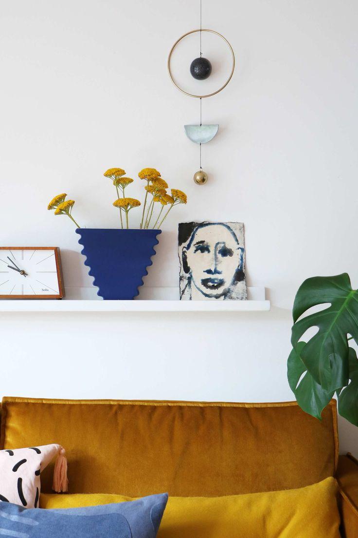MY ATTIC voor vtwonen / woonkamer / livingroom / velvet couch / fluweel  / home decoration    Fotografie: Marij Hessel