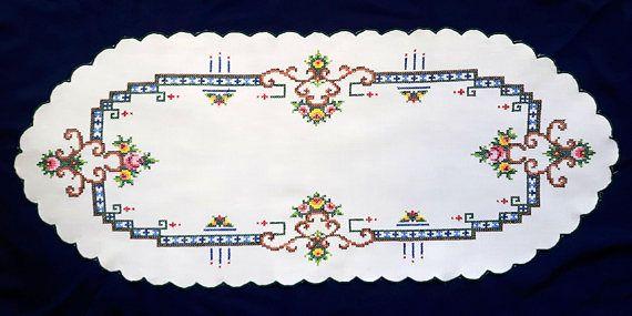 Vintage cross stitch oval tablecloth