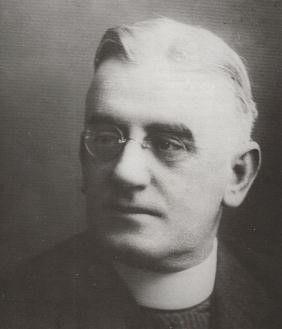 Patrick Joseph Hartigan aka: John O'Brien 13 October 1878 – 27 December 1952 He was born at Yass, New South Wales.