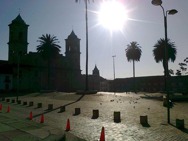 Un bello amanecer en #Zipaquirá, fotografía de Johana Ángel. #Zipaquiráturística #Colombia #larespuestaesCOlombia