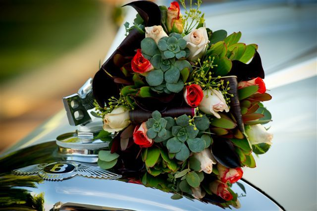 Rustic roses, succulents and Australian natives.