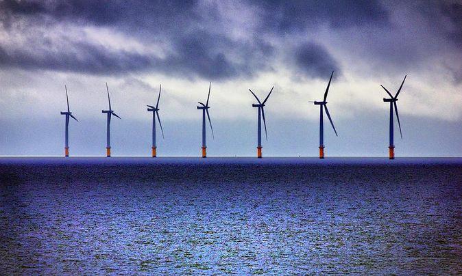 Americká ropa a zemný plyn podniky, čím možno využiť veternej energie na mori   offshore Wind