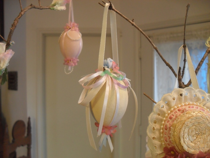 Easter Tree decorations: This is my favorite Easter egg on the tree. I used pastel colors with mostly ribbon and a few added flowers. I like to use the 'velvet' covered eggs because they give a softer look & feel.