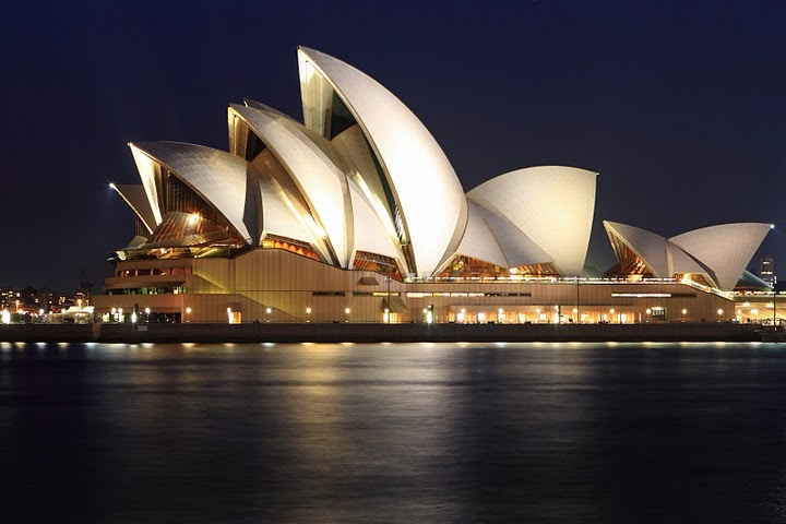 Sydney Opera House, prettier outside than in, but the sound!!