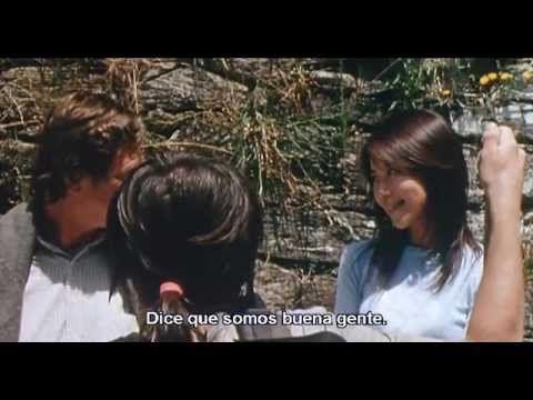 Tres en el camino - Documental sobre el Camino de Santiago. Muestra las aventuras en el camino de una chica brasileña, una chica japonesa y un hombre holandés.