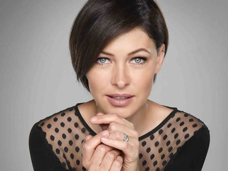 Emma Willis becomes Queen of Everything. The Voice UK presenter, 38, would extend paternity leave, deploy CCTV and improve the quality of hair dye if she ruled the world.