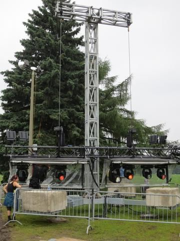 SMALL LIGHT TOWER https://www.mega-stage.com/