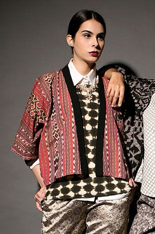 cropped jacket from Nusa Tenggara Timur, #indonesia  --- #cottonink #blouse #top #kimono #cardigan #multicolor #tenun #woven #ethnic #ikat #boxy