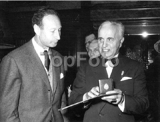 Monsieur Antoine, receives La Medalle de Vermeil. Nov. 14, 1962