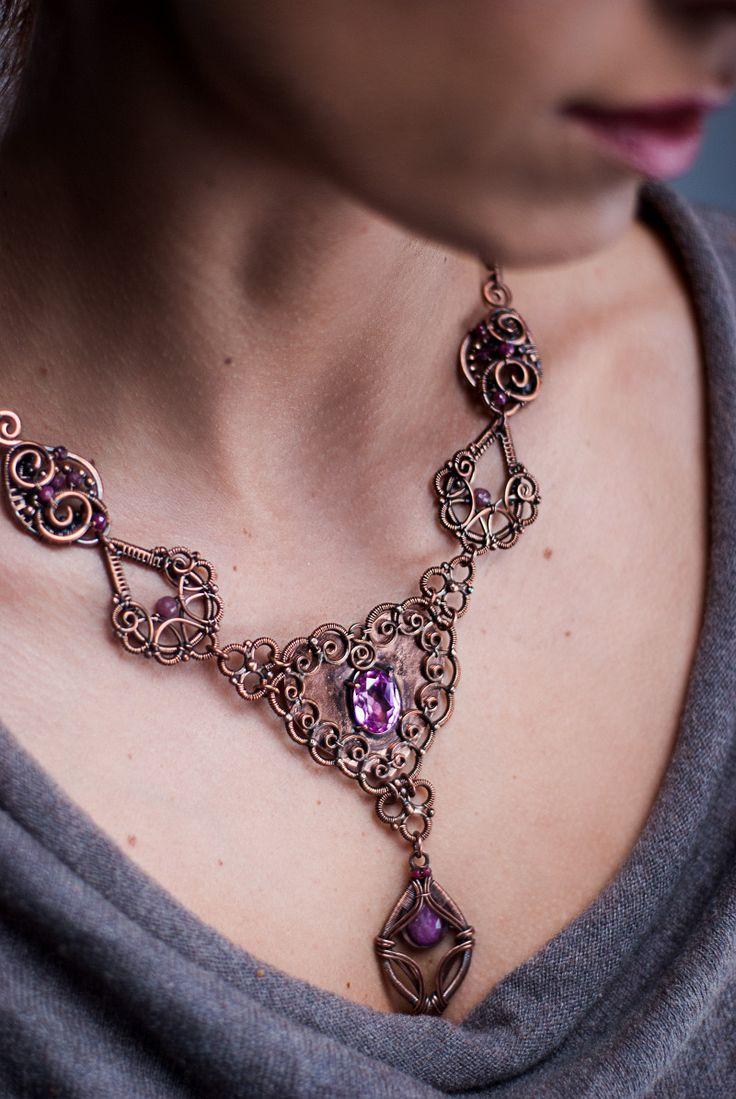 Naszyjnik wyjątkowy, niesamowicie piękny, miedź, korund i rubiny