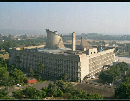 Palazzo del Parlamento  di Chandigarh.  1955.