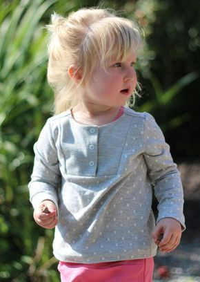 Busy Kid Bib T-Shirt: A Free Pattern from Misusu Patterns | Sew Mama Sew | Outstanding sewing, quilting, and needlework tutorials since 2005.