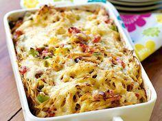 Pasta o kycklinggratäng. Gör en stor sats och frys in i småportioner. Passar perfekt som utflyktsmat eftersom den är lika god kall som varm