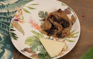 Shakshuka (xakxuka): prato da cozinha árabe tem carne moída com ovo e berinjela defumada. É perfeito para um brunch ou curar a ressaca