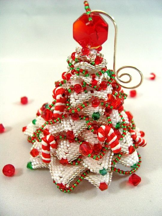 Amazing beadwoven Christmas ornaments by Christine Heidema | Beads Magic