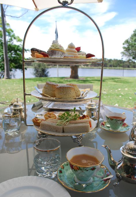 High Tea: Teas Time, Afternoon Teas, High Teas, Teas Gardens, Bridal Shower, Favourit Things, Teas Parties, Baby Shower, Peninsula Cakes Stands