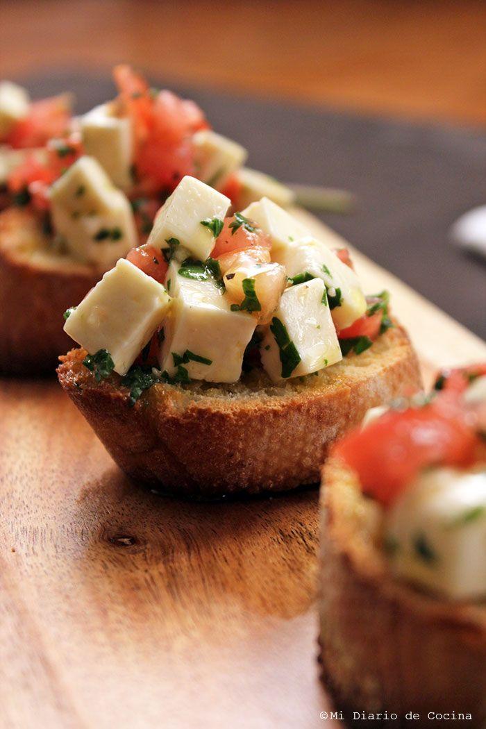 Crostinis con queso blanco #ad #QuestforQueso #TropicalCheese #QuesoTropical