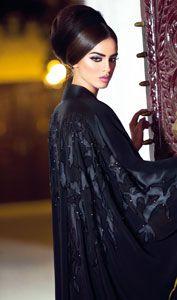 #Abaya, love her makeup