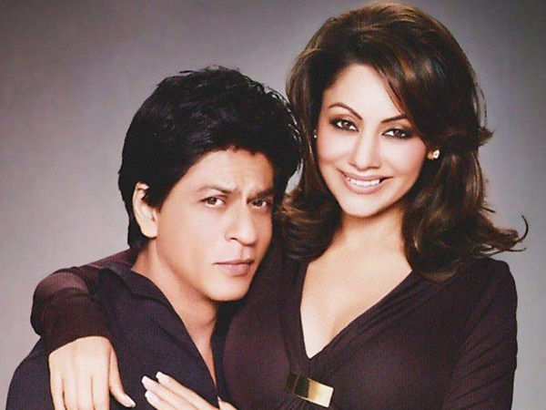 SRK-Gauri.  I love how unimpressed by him she is.  Perfect counterpoint.