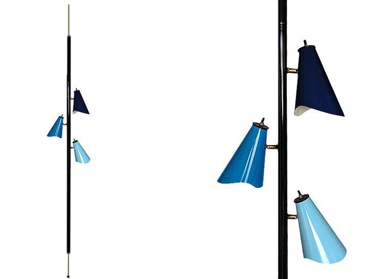 Lámpara piso techo. 3 luces. USA. 1960 Pole Lamp. 3 lights. USA. 1960 www.dessvan.com #dessvan #vintagebogota #bogota #colombia #mueblesbogota #mobiliariobogota #calledelosanticuarios #lamparas #lamparasbogota #antiguedadesbogota #designbogota #midcenturybogota #sofa #mesa #comedor #lampara #aplique #silla #sillas