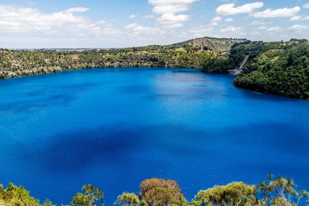 """See the deep blue of """"The Blue Lake"""".   29 Things You Didn't Know You Could Do In South Australia"""